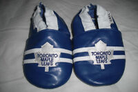 """Toronto Maple Leafs"" Robeeze Slippers"