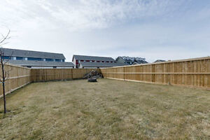 HUGE YARD. 3 Bed 2.5 Bath in Leduc. Attached Garage MUST SEE