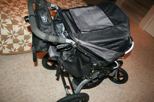 BOB Stroller in Almost New Condition with extras