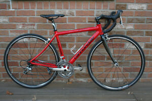 Cannondale Synapse Sport Modern Road Bike, Like New Condition.