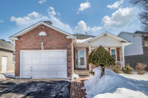 LIKE 2 PEAS IN A POD! LOVELY 3+1 BR  IN SOUGHT AFTER COURTICE!!!