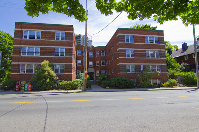 235 Charlotte: Apartment for rent in Sandy Hill