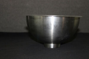 Hot/cold serving bowl with insert. Moose Jaw Regina Area image 3