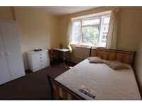 Huge Double Room Located in Acton Vale