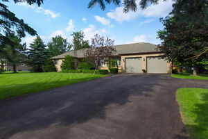 15 Audubon Way, Georgina - Custom bungalow on 1.06 Acres