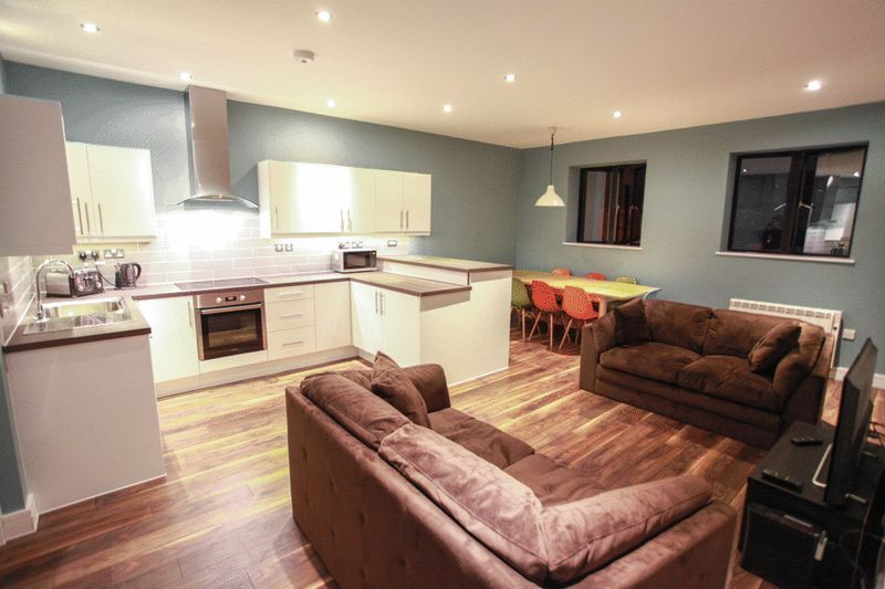 SUPERB 5 BED 4 BATH HOUSES WITH GYM,SWIMMING