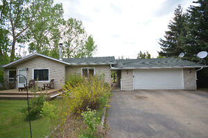 ACREAGE LIVING WITHOUT THE PRICE TAG! ONCE IN A LIFE TIME DEAL