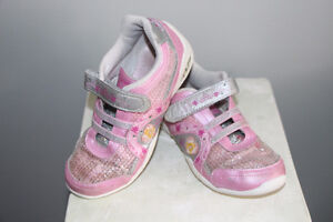 girl sketchers twinkle toes shoes - size 12 Cambridge Kitchener Area image 4