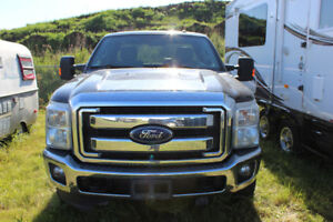 Low kms! Excellent Condition 2013 Ford F-350 Truck