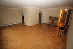 Spacious 3 bedroom 2nd floor apt. at Bathurst& Lawrence