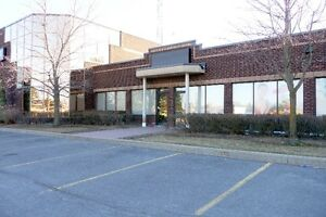 Directly on Hunt Club Groundfloor Office/Retail/Flex Space!