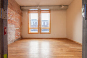 Studio/Office Space in the Heart of James Street North!