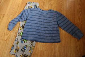 Boys Size 5T clothing