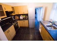 Spacious Clean Single Room 3 min To Seven Kings-£100pw