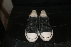 Size 3 Youth Converse shoes