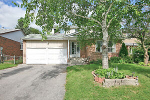 Great Newmarket Home in Mature, Family Neighbourhood