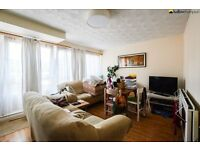 Split level 3 bedroom maisonette with a garden moments from Mile End Underground LT REF: 4565049