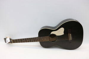 Art & Lutherie Roadhouse Parlor Guitar Faded Black (#17813)