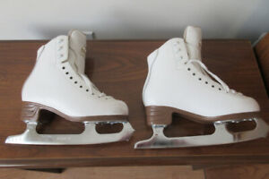 Jackson Classique Figure Skates Size 3