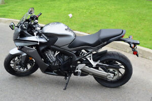 Moto Honda CBR650F - NEUVE!!!
