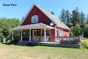 Beautiful PEI Cottage Just 2 Minutes to Cavendish