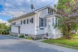 **NEW PRICE**-- Beautifully Maintained Duplex!