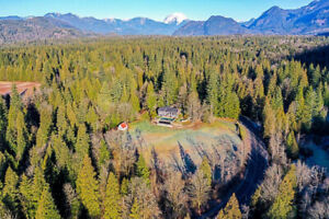 4.5 ACRES WITH HOME, SHOP & BARN!