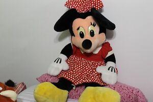 peluche Grosse Minimouse acheter a Disney a vendre