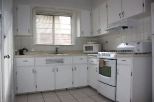 Walk to Downtown!!! Very nice, clean - LARGE 2 BED 1 FULL BATH
