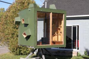 Petite maison sculpture Habitable pour méditation, et visiteurs