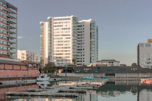 New Price! Beautiful Harbour Place Condo!