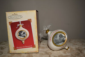 Hallmark Mother and Daughter Photo Holder Ornament Year 2005