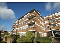 3 bedroom flat in Charlton Lodge, Temple Fortune, NW1
