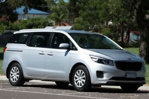 7/8 Seater van for hire / rent Kia Carnival