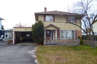 Ideal location in Elliot Lake. Large family home close to beach!