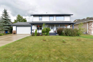 BEAUTIFULLY FINISHED HOME IN LACOMBE