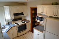 1194 Johnson St.- LARGE ROOMS Blocks from St. Lawrence College!