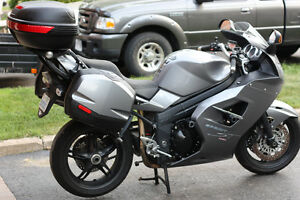 2009 Triumph Sprint ST ABS, fully loaded, low kms