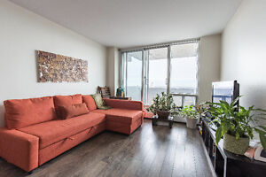 668 sqft renovated condo w/pool, spa, gym in theheart of Plateau