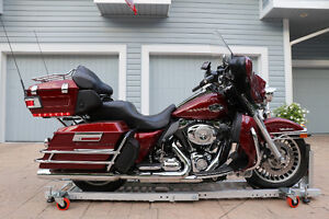 Harley-Davidson Ultra Classic - Loaded! Reduced Price!