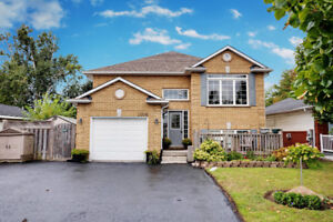 2 Kitchens in Courtice! Open House TODAY 2-4pm