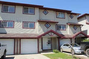Fully Furnished 4 bdrms 3.5 bths in Timberlea Fort McMurray
