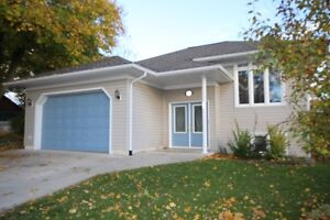 Goderich # 4 Clinton Ideal family home!