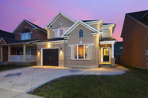 Stunning 4 Bedroom home in the Heart of Milton!