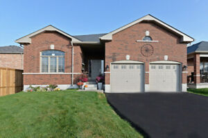 6 Lords Dr Hastings - nearly new brick bungalow for sale!