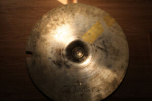 Cymbal – older Zildjian 16 in thin crash