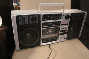 VINTAGE BOOMBOXES MAKE ME A OFFER