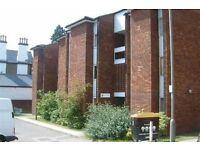 4 bedroom flat in 8 Arnewood Close, London, SW1