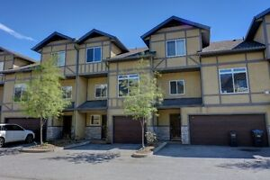 Central Location Townhouse Penticton