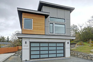 Newly Built Custom Home in Desirable Maplewood